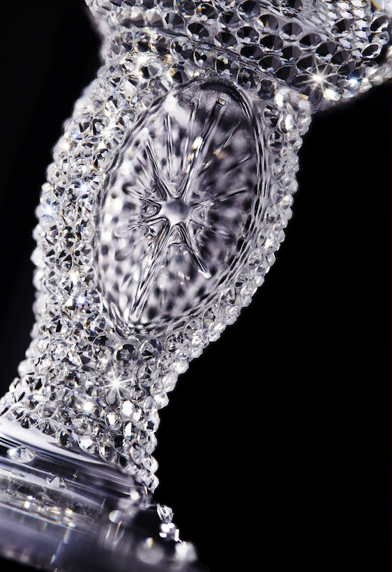 Stella-Artois-Swarovski-Adorned-Crystal-Chalice_closeup