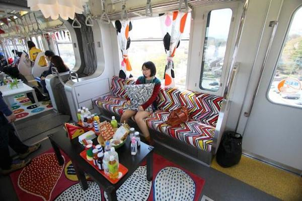japan_ikea_party_train_03