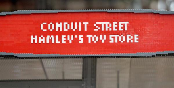 lego_busstop_london_01