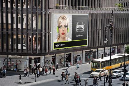 Mini Berlin mini get billboarded in berlin popsop