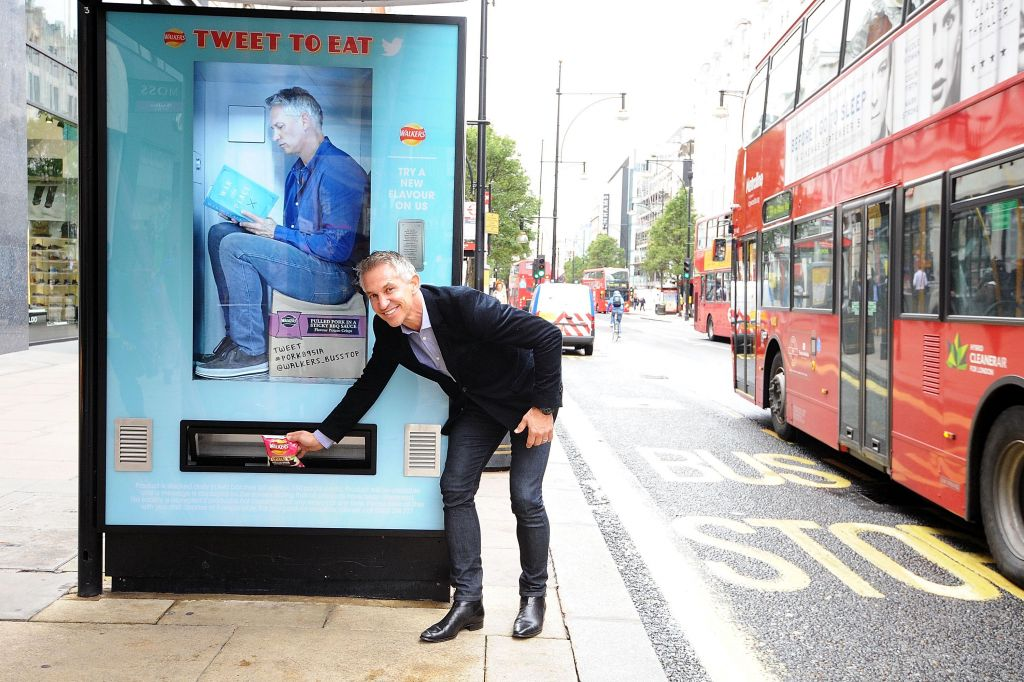 walkers_lineker_vending_01